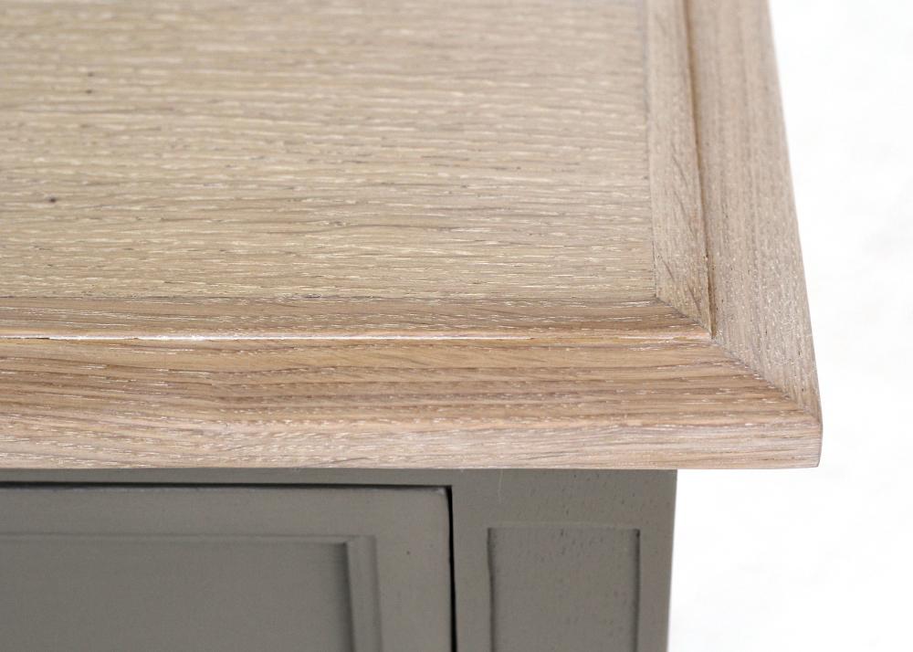elegant lamp table top detail