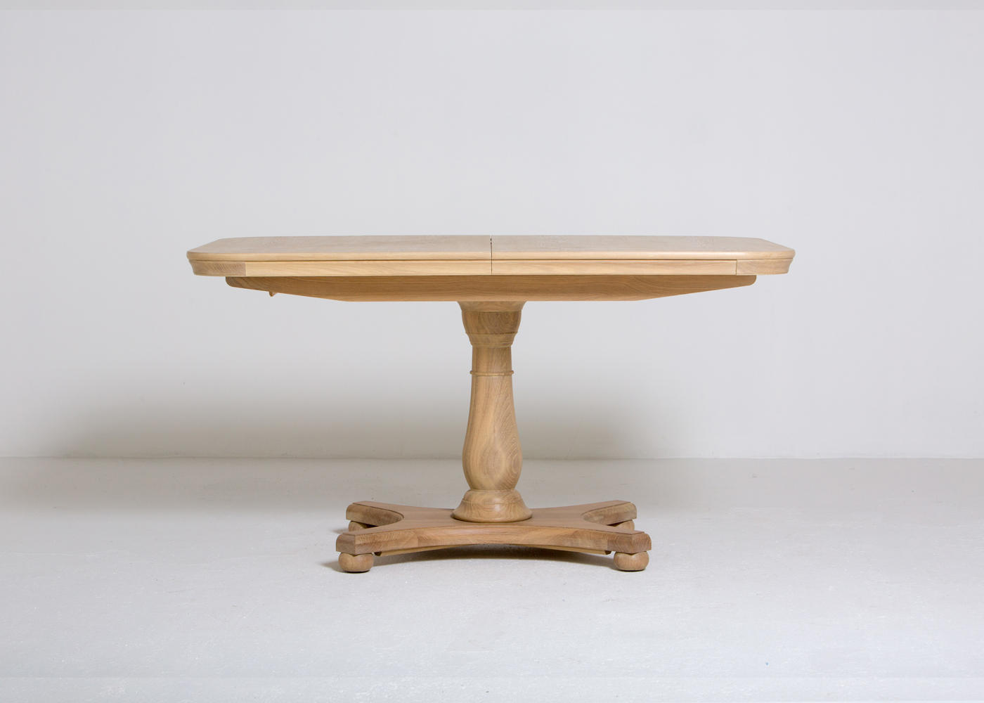 Elise Extending Dining Table Head On