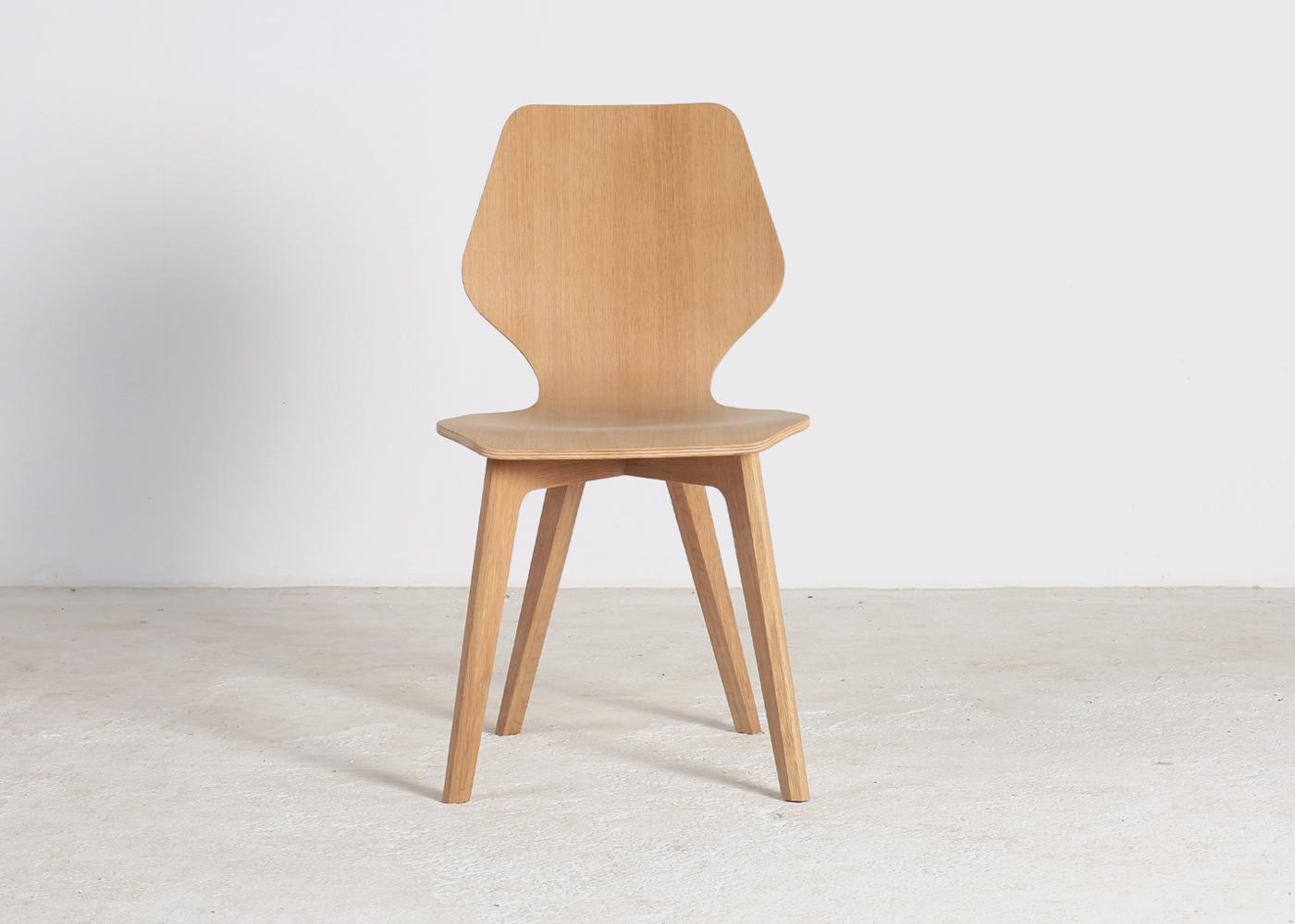 langli chair head on